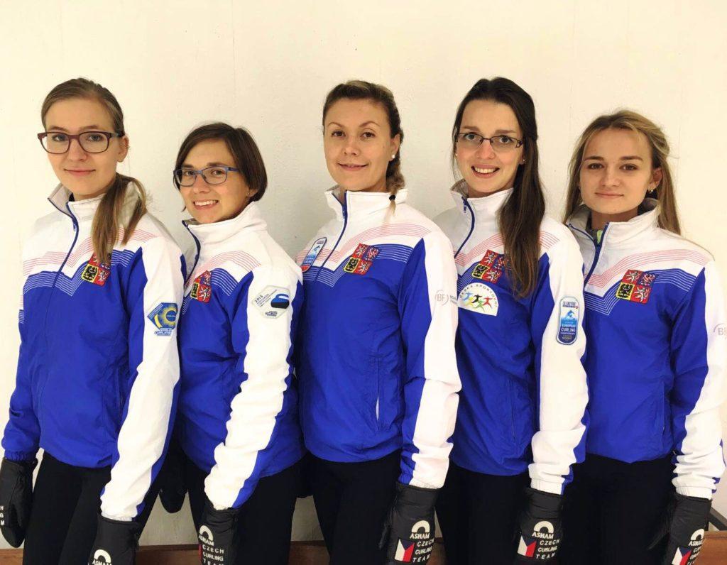 cze-women-picture-front-facing